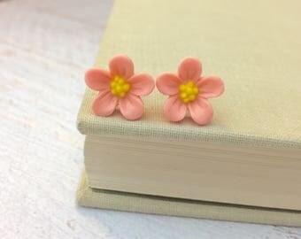 Flower Stud Earrings, Peachy Pink Daisy Studs, Pink Flower Earrings, Flower Girl Earrings, Sensitive Ear Studs, KreatedByKelly