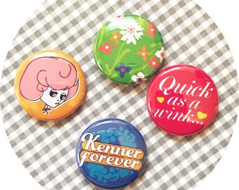 """KENNER FOREVER 4 Pin Pack / 1"""" Pins Buttons Blythe Doll"""