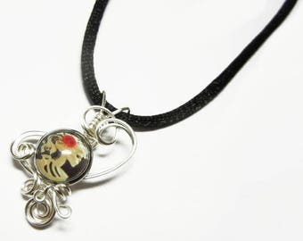 Wire Wrap Victorian Skeleton Glass Cameo Pendant with Necklace