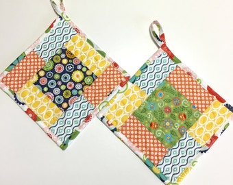 Potholders set of 2 Quilted Whimsy Patchwork  Kitchen Cooking Hotpads Patchwork