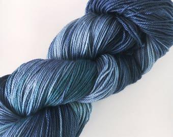 GREEN JEANS Squishy Superwash Sock Yarn