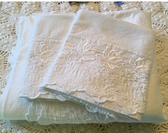 BIG SALE - New Old Stock Cotton Bed Linens - Flat Sheet with Pillowcases - Wabasso Linens Schiffli Embroider - All White Bedding - Farmhouse