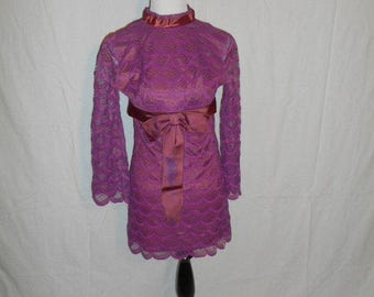 Vintage lace women's clothing 50's 60's dress    xs small
