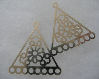 Silver Plated Lazer Lace drop Triangle 33 x 35mm - 6 Pair
