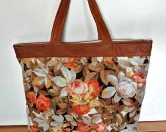 Lovely unique one-of-a-kind tote bag handbag of printed Sandersen cotton with bonewhite/orange rose flower motive and goldbrown skin/leather