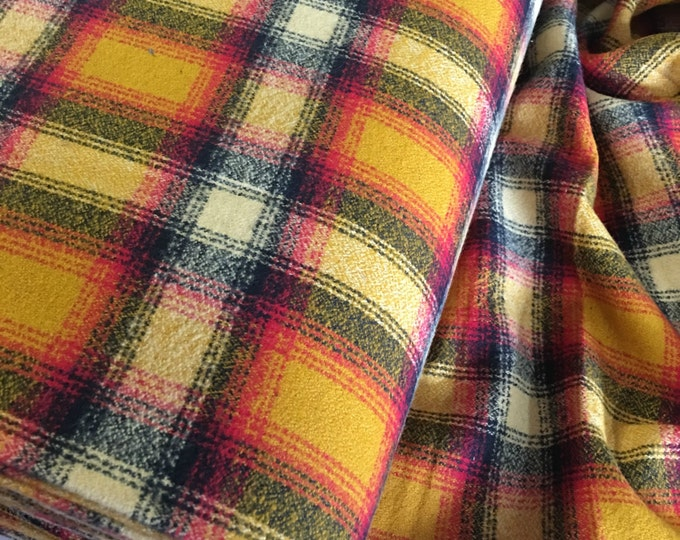 Soft Flannel, Mammoth Plaid Flannel, Flannel Shirting, Shirting fabric, Yellow flannel, Robert Kaufman, Mammoth Flannel in Crimson 391