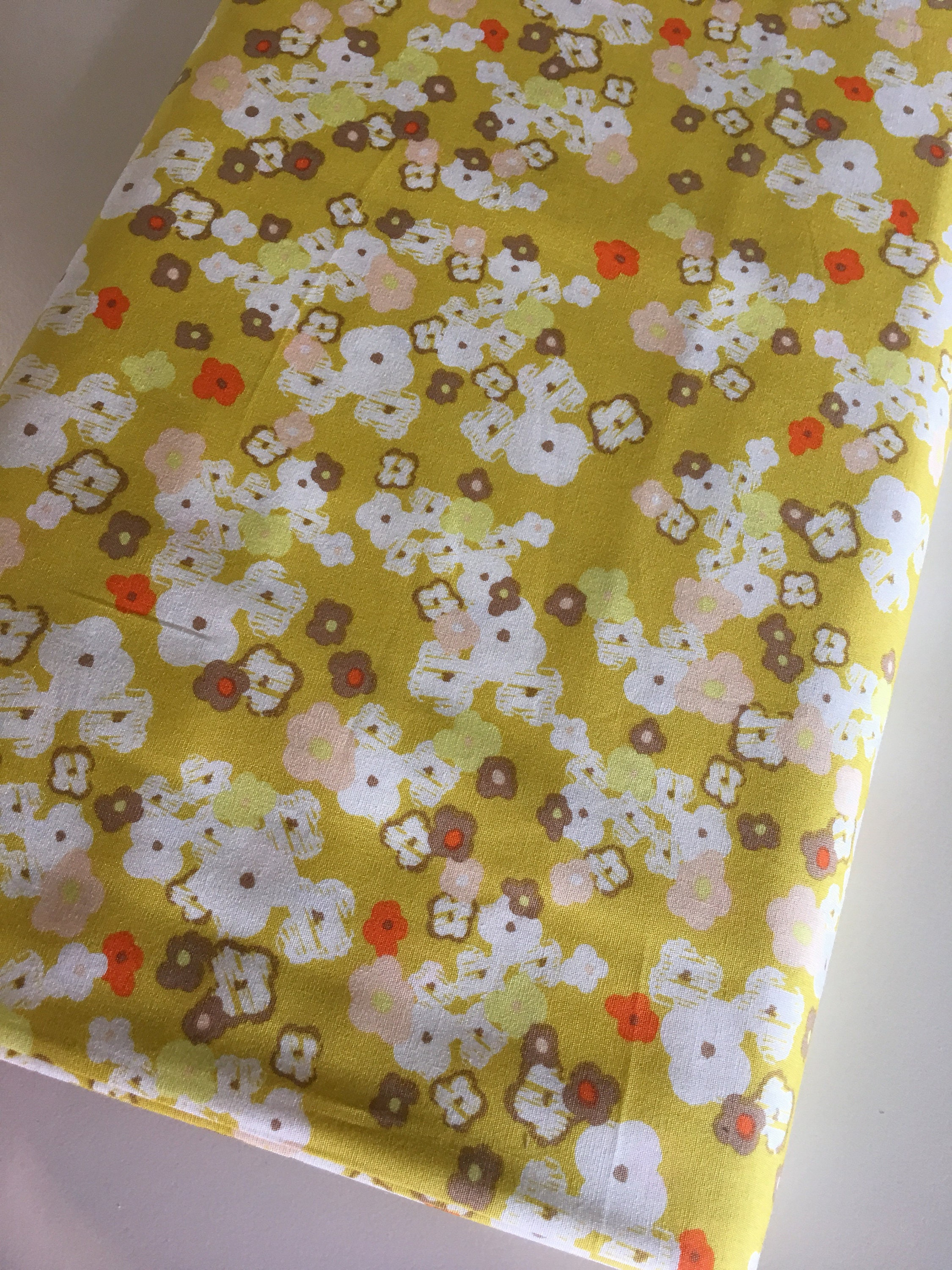 Sale fabric sewing fabric discount fabric fat quarter art for Sewing fabric for sale