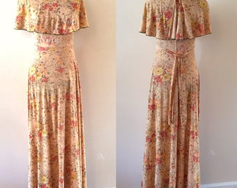 Sunset Flowers Maxi Dress  Sz S/M  Vintage 1970s peach and orange floral dress