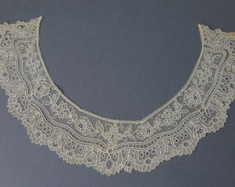 Antique Victorian Point de Gaze collar
