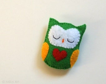 Owl Brooch Owl Felt Brooch Owl Felt Pin Handmade Felt Owl Jewelry Woodland Fashion Accessory Cute Owl Red Heart One of a kind Owl Gift MiKa
