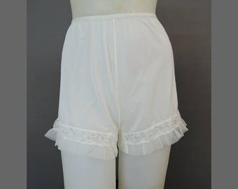 Vintage Nylon Panties size5, 1960s White Semi Sheer Nylon Tap Pants, Michelene  34 hips