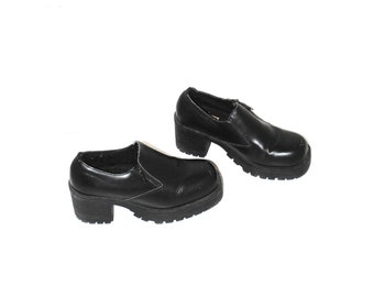 90s zip up platforms 1990s goth black leather lug sole platform ankle booties size 7