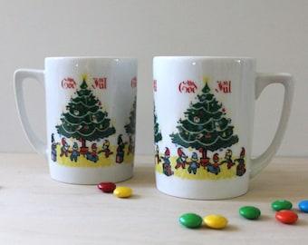 God Jul. Pair of 1950s Berggren mugs.