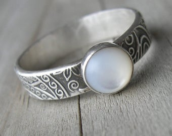 Mother of Pearl Ring Patterned Band  Sterling PMC Artisan Jewelry size 8