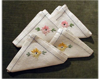 1930's Napkin Set Of 4 ~ Floral ~ Embroidered~ Linen ~ Tea Napkins