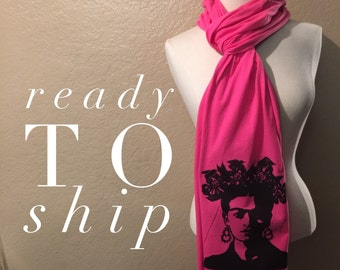 frida raw edge scarf