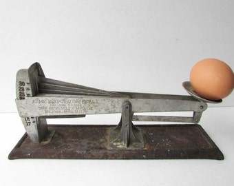 Vintage 1920's Acme Egg Grading Metal Scale,  Patent Dated 1924, Works Well, Made in Minnesota, Farm Scale, Poultry Scale, Egg Grader