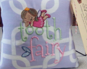 1049  Lavender and White Tooth Fairy Pillow