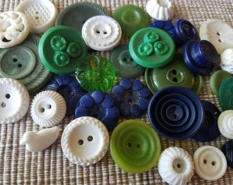 Vintage Buttons - Cottage chic mix of green, blue and white, lot of 34 old and sweet( may 54 17)