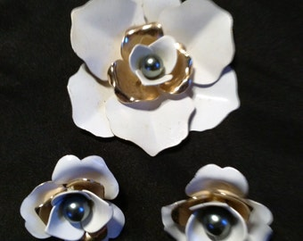 Vintage Sarah Coventry Flower Brooch & Earring Set
