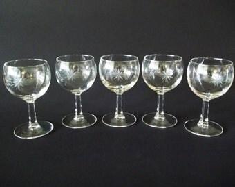 Star Cut Balloon Liqueur Wine Glasses, French Glass Stemware, Set of 5, France 1970s