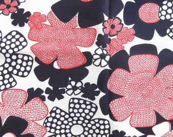 Mod FLORAL Fabric - Red and Navy Daisy Flowers - Large Print Floral - Vintage Fabric