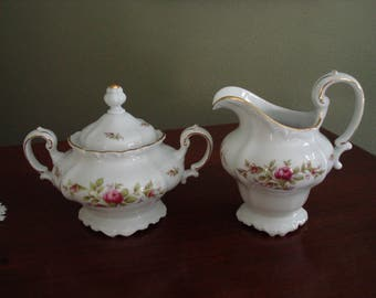 Pretty Johann Haviland Covered Sugar and Creamer, Moss Rose, Fuchsia Pink, Pink and White, Footed Creamer, Sugar Bowl, Fine China, Porcelain
