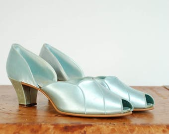 Vintage 1940s Slippers - Pretty Seafoam Blue Satin Slip On 40s Daniel Green House Shoes with Deco Scallops 8.5 9