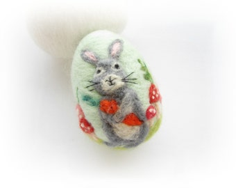 Easter Egg,Felted Egg,Needle felted Ornament,Spring Ornament,Easter egg with bunny,