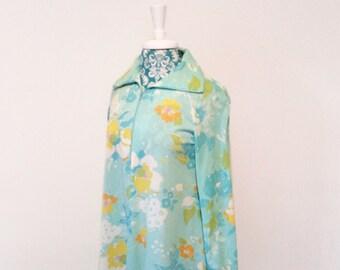 vintage 1960's robe loungewear // long mod housecoat // dayglo 60's daisy