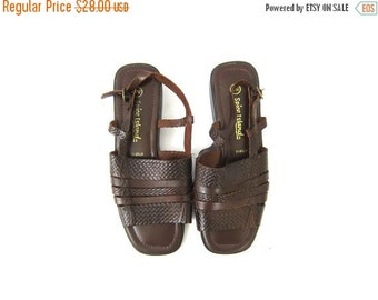 Woven Leather Sandals 90s Brown Braided Slip Ons Shoes Boho Sandals Preppy Cut Out Vintage 1990s Open Toe Huaraches DELLS Womens size 9 wide