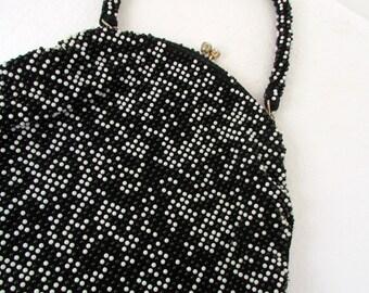 Vintage 1960s Plastic Beaded Purse in Black and White with Rhinestone Clasp Purse Handbag Bag Retro