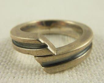Size 5.5 Vintage Modern Unisex Ring