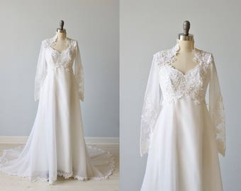 Vintage 1970s Long Sleeve Lace Wedding Dress / Vintage 70s Wedding Gown / Boho