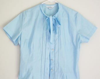 Sweet Baby Blue Blouse / Cropped Top / Bow TIe Blouse