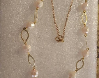 Pink Opalescent Gold Tone Beaded Chain Necklace