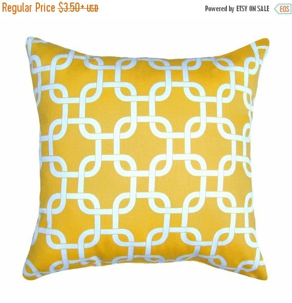 Yellow Stuffed Pillow, Gotcha Corn Yellow, Yelllow Chain Link Pillow, Yellow and White Decorative Pillow, Yellow Accent Pillow Free Shippin