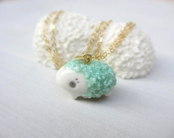 Petit Waterbear Pendant-grass green-shaggy