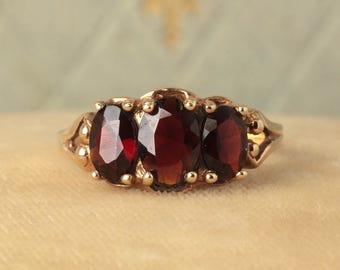 Vintage 10K Gold Triple Garnet Ring