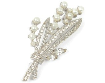Simulated Pearl and Rhinestone Brooch Floral Design Silver Tone Vintage