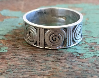 Vintage 925 Sterling Ring Band Abstract circles Halmarked European sz 8.25