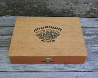 Joya De Nicaragua Fabrica De Tabacos Wood Cigar Box