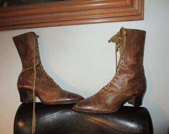 1900's Brown Leather Lace-up Granny Boots Victorian Boots with Heels