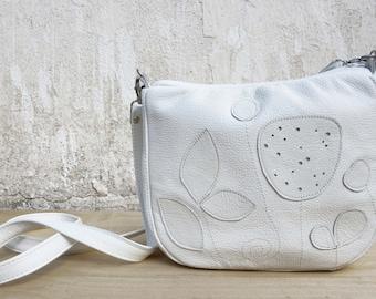 Leather Bag Botanical Applique Purse Vintage Look White Leather Purse spring summer 2017 floral handmade messenger