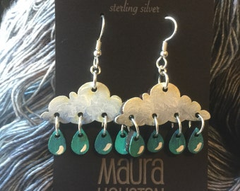 Falling raindrop earrings