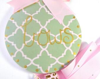 Round Hand Painted Hair Bow Holder- Bow Holder-Script bow holder-personalized bow holder- name bow holder