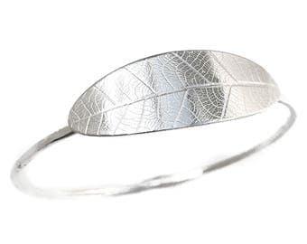 Leaf Bracelet - Hammered Silver Bangle Bracelet - Botanical jewelry - Leaf Jewelry - Argentium Silver Jewelry - Stacking Bangle