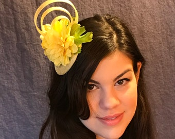 Primrose Yellow Fascinator/Pantone Primrose Yellow/ Custom Yellow Hat/OOAK Yellow Fascinator/Yellow Hat/Yellow Flower Hat/Yellow Straw Hat