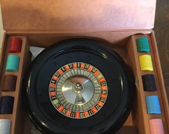 Vintage Gambling Game, E.S. Lowe Roulette Wheel Game 1941 Complete, Casino Games, Made in USA, Betting, Gaming, Game room, Man Cave