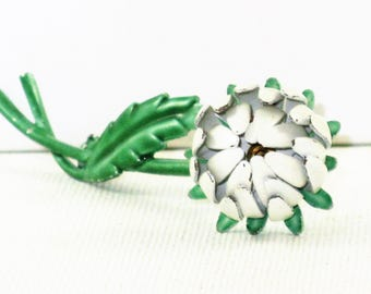 Vintage Weiss White Enameled Chrysanthemum Floral Brooch Pin (B-1-3)